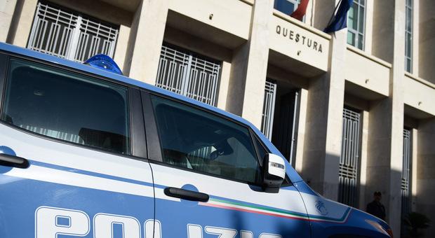 Latina, adescava vittime sui social e poi le ricattava pretendendo denaro: arrestato