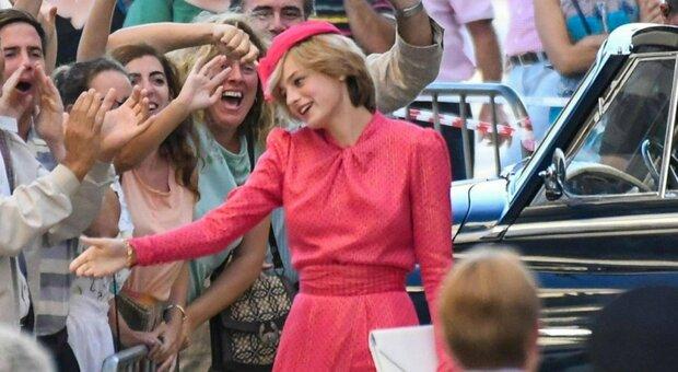 Emma Corrin, la lady Diana di The Crown: «Grazie a Cher ho girato la scena più difficile»