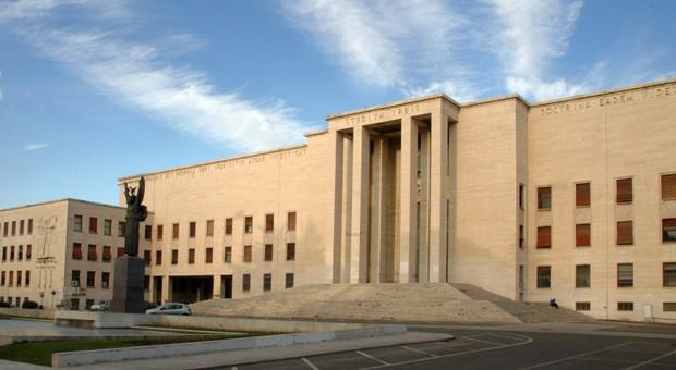Università, il sottosegretario Fioramonti: «Ricercatori fuori se in 5 anni non hanno avuto la cattedra»