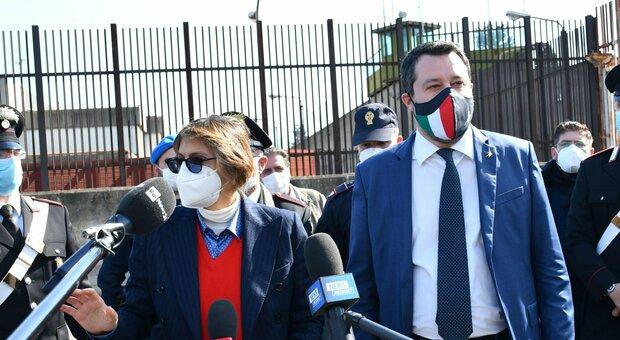 Caso Gregoretti, Salvini: «Decidevamo e festeggiavamo insieme». Lamorgese depone in aula