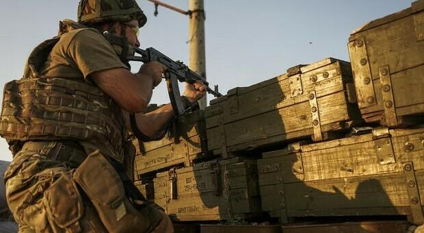Russia, tensioni con l'Ucraina dopo bombardamento nel Donbass: un bambino tra le vittime