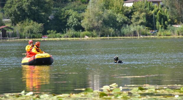 Cadavere lungo il lago giallo a padova il for Lago padova
