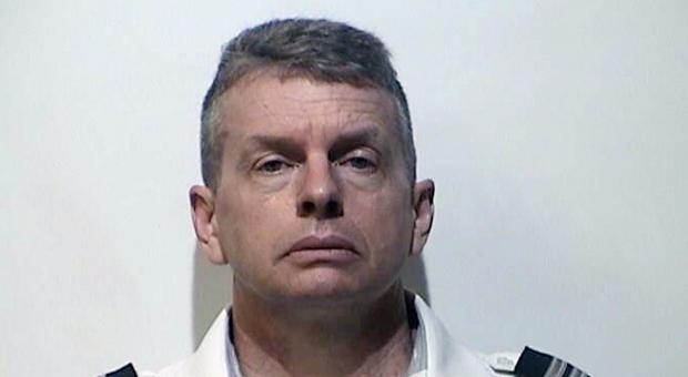Pilota dell'American Airlines arrestato per tre omicidi commessi nel 2015