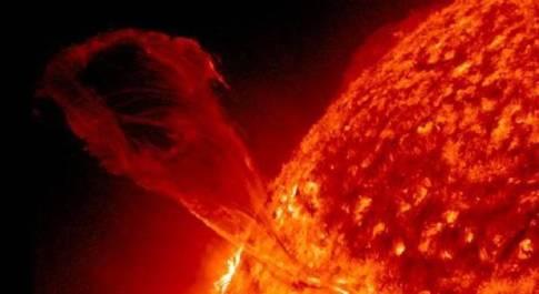 Il Sole entrerà in un nuovo ciclo, lo scienziato: «Per la Terra più rischi dai raggi cosmici»