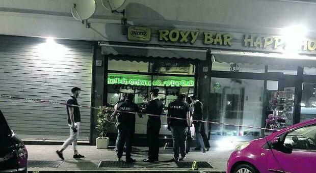 Sparatoria a Roma, chiuso il Roxy Bar di via Alessandrino: il provvedimento per 15 giorni