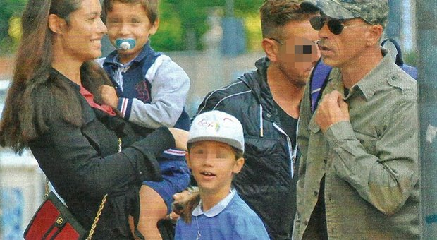 Eros Ramazzotti, Marica Pellegrinelli con i figli Gabrio Tullio e Raffaella Maria (Chi)