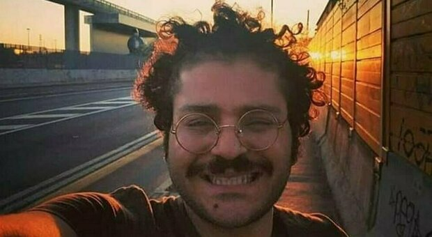 Patrick Zaki, l'incubo non finisce: confermati altri 45 giorni di reclusione