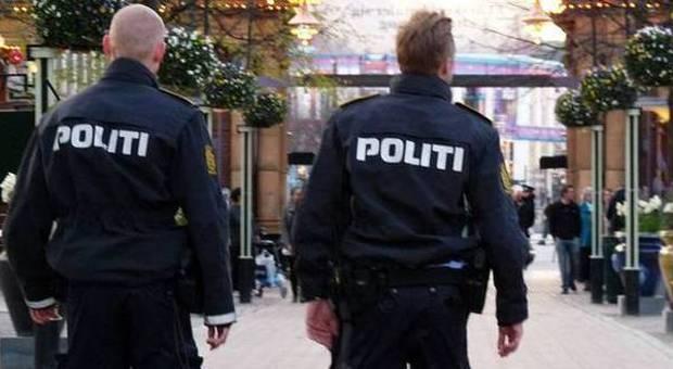 Copenaghen, sparatoria in un centro commerciale: tre feriti