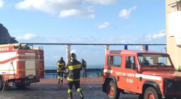Tempesta a Capri, danni al Campanile in Piazzetta - Il Messaggero