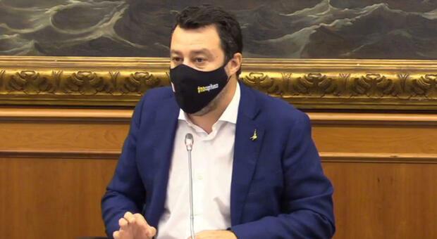 Salvini: «Entro 10 giorni tutti al lavoro senza limiti, il coprifuoco è un danno alla salute»