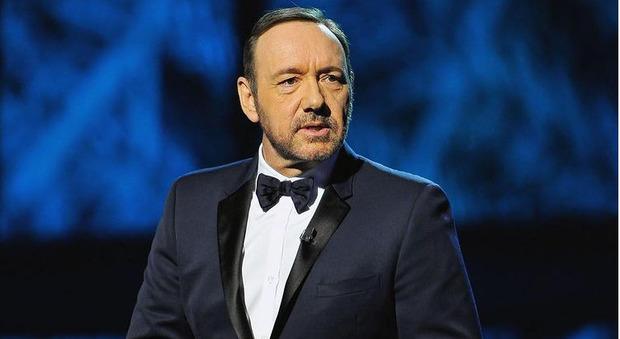 Kevin Spacey torna al cinema con L'uomo che disegnò Dio: trama e cast del film diretto da Franco Nero