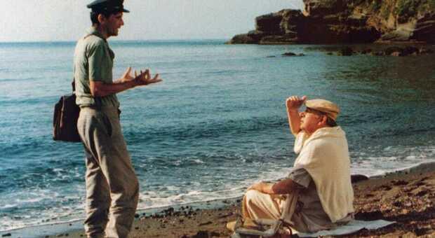 Procida, l'isola del Postino di Troisi: dalla polemica con la Cucinotta ai luoghi più famosi, le curiosità