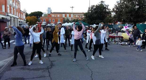 Il flash mob in piazza del Popolo