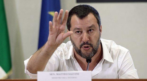 Gregoretti, Salvini: «Nessun sequestro, nave al sicuro. Per Berlino a bordo 3 migranti pericolosi»