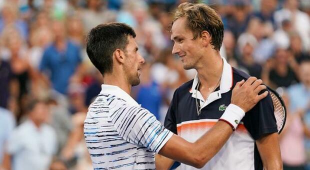 Medvedev in finale con Djokovic: è l'Australian Open degli antipatici