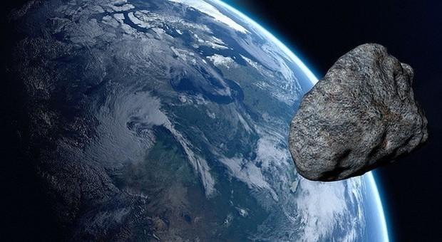 Un asteroide sta per