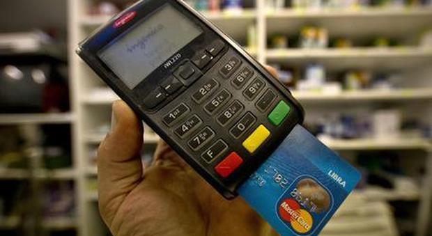 Conte: «Daremo incentivi per pagamenti elettronici»