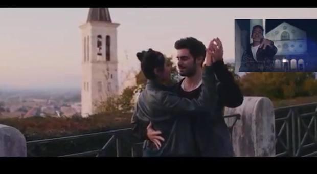 Immagini tratte dal video del brano. Nel riquadro: il rapper Tormento, novità della versione remix
