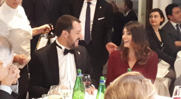 Salvini and Isoardi meet again at dinner, vice premiere in a tuxedo: