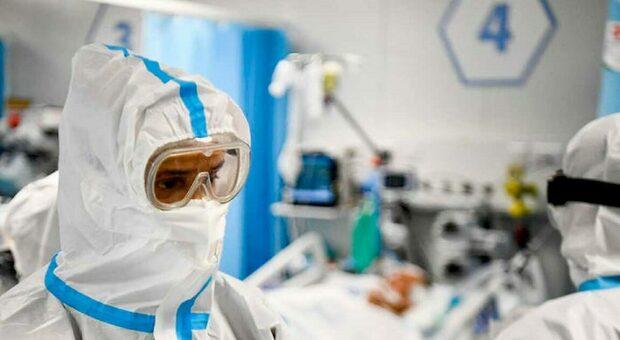 Varianti Covid, via a rete italiana di sorveglianza. Virologi: «Non sarà l'ultima pandemia»