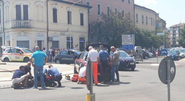 Terni, spari in centro durante un controllo: ferito un carabiniere