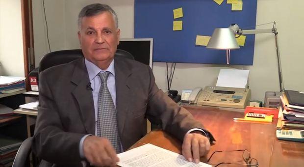 Il padre di Di Maio ha chiesto scusa difendendo il figlio