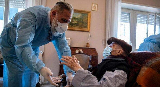 Oggi nel Lazio si contano 1.230 contagi (+66), sono 500 a Roma. Aumentano le terapie intensive