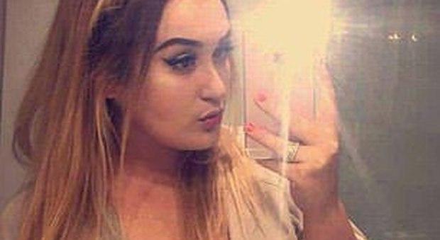 Londra, ragazza di 21 anni risulta positiva al Codiv-19 e le negano il trapianto: muore