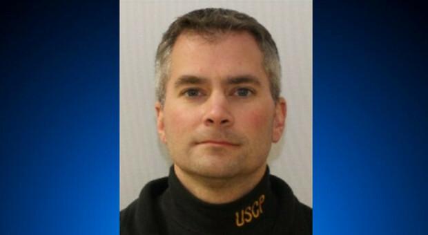 Scontri Usa, morto un poliziotto: è la quinta vittima. Uno degli assalitori aveva 11 molotov