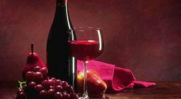 Cataratta, chi beve moderatamente vino rosso corre meno rischi di un intervento