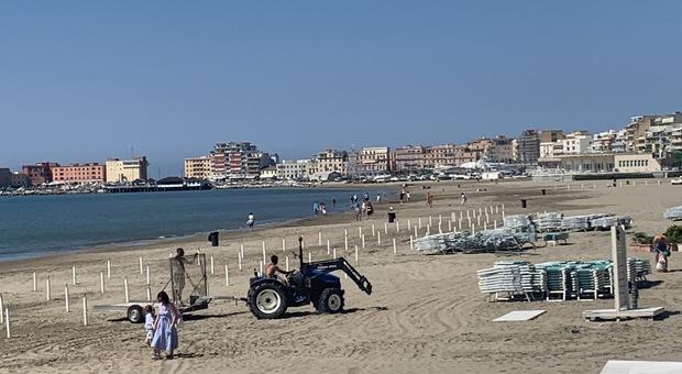 Sulle spiagge di Anzio si lavora per riaprire