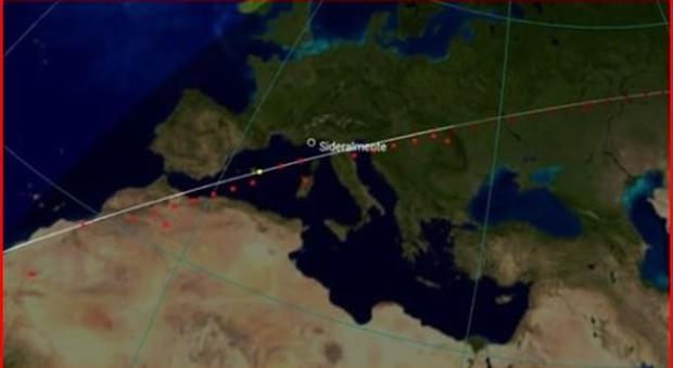Cartina Satellitare Lombardia.Scie In Cielo Anche Questa Sera Torna In Diretta Il Treno Dei Satelliti Starlink Che Fa Infuriare Gli Astronomi Mappa E Orari