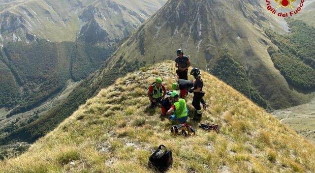 Monti Sibillini, morto un giovane escursionista: caduto in un crepaccio insieme a un compagno