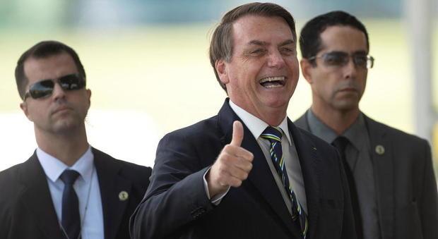 Bolsonaro, dubbi sul contagio: «Ha inventato tutto per dimostrare che il virus non è un pericolo»