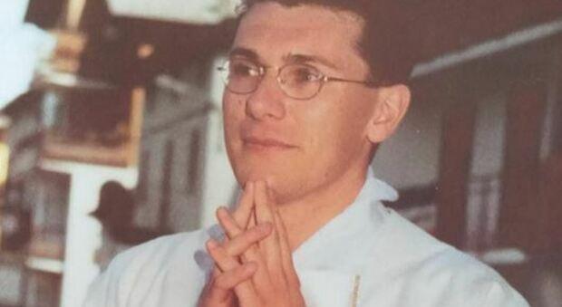 Don Graziano muore precipitando per 15 metri durante una gita con i ragazzi dell'oratorio