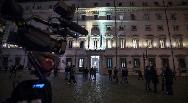 Mes, via al vertice a Palazzo Chigi. Maggioranza divisa, opposizioni all'attacco