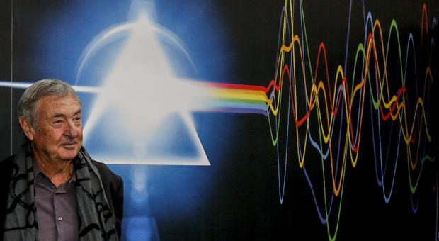 Pink Floyd, il batterista Nick Mason: «Quest'anno suonerò nei club il nostro primo repertorio»