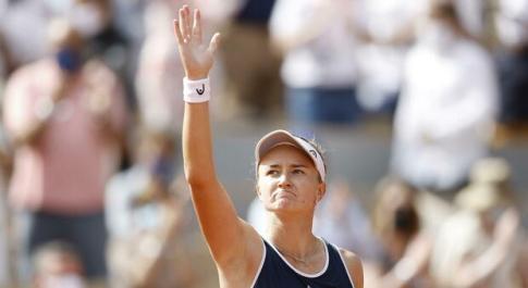 Krejcikova vince il Roland Garros: battuta in tre set la russa Pavlyuchenkova