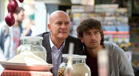 Stasera in tv sabato 24 luglio su Canale 5, «Benvenuti al Nord»: curiosità e trama del film con Claudio Bisio