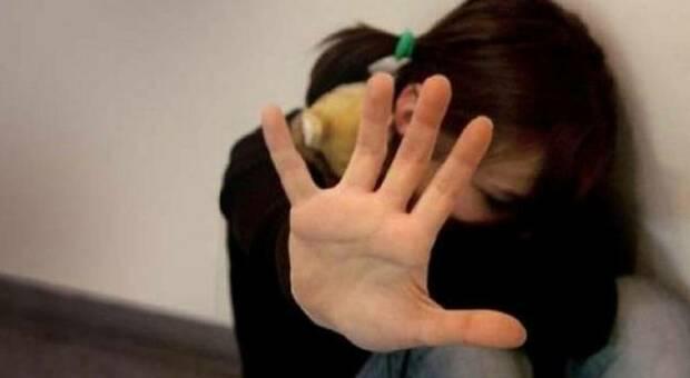 Milano, suocero abusa della figlia di 8 anni, lui lo uccide: la procura chiede conferma 20 anni di carcere