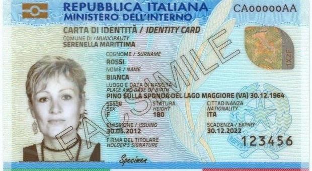 Un fac simile della carta di identità elettronica