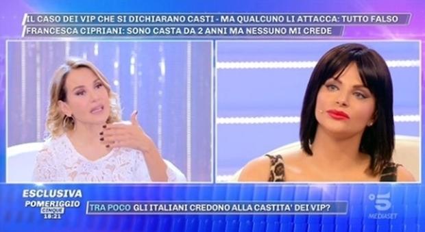 Pomeriggio 5, Francesca Cipriani col caschetto castano: «Non faccio l'amore da due anni»