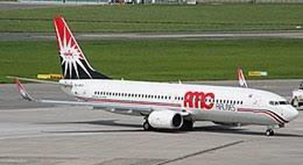 Atterraggio d'emergenza al Cairo, paura per 122 italiani: l'aereo da Sharm era diretto a Napoli