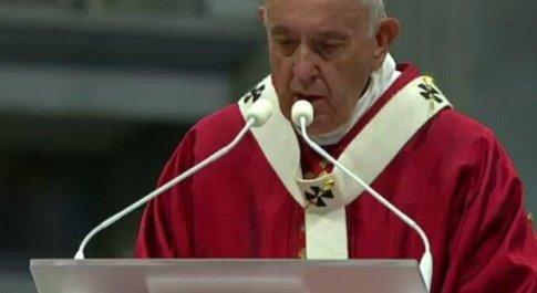 Papa Francesco ammette la crisi della Chiesa: «La nostra fragilità non sia ostacolo al Vangelo»