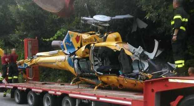 Elicottero Caduto Oggi : Elicottero caduto il giallo del cavo di acciaio per
