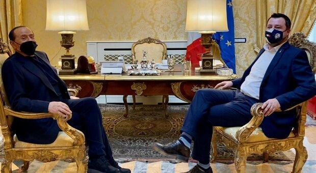 Matteo Salvini e Silvio Berlusconi, il retroscena: al governo insieme o fuori