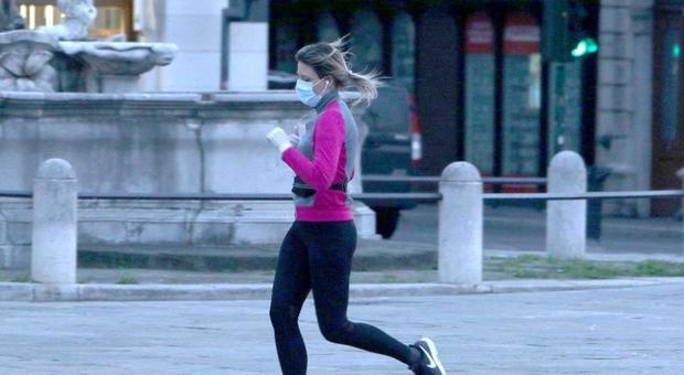 Coronavirus, sì a sport all'aperto e jogging dal 4 maggio, ma le palestre resteranno chiuse