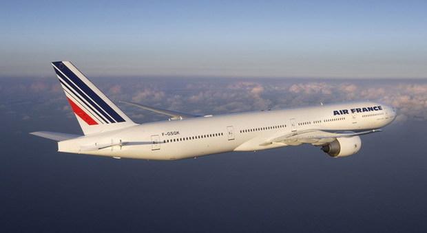Air France, guasto tecnico: il boeing svuota il serbatoio sulla foresta di Fontainebleau
