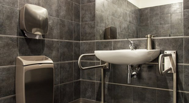 Il bagno per disabili in casa ecco che cosa si deve sapere for Arredamento casa per disabili