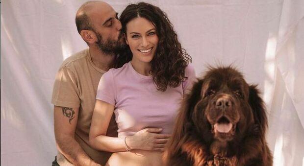 Paola Turani è incinta, l'annuncio su Instagram: «niente è impossibile»